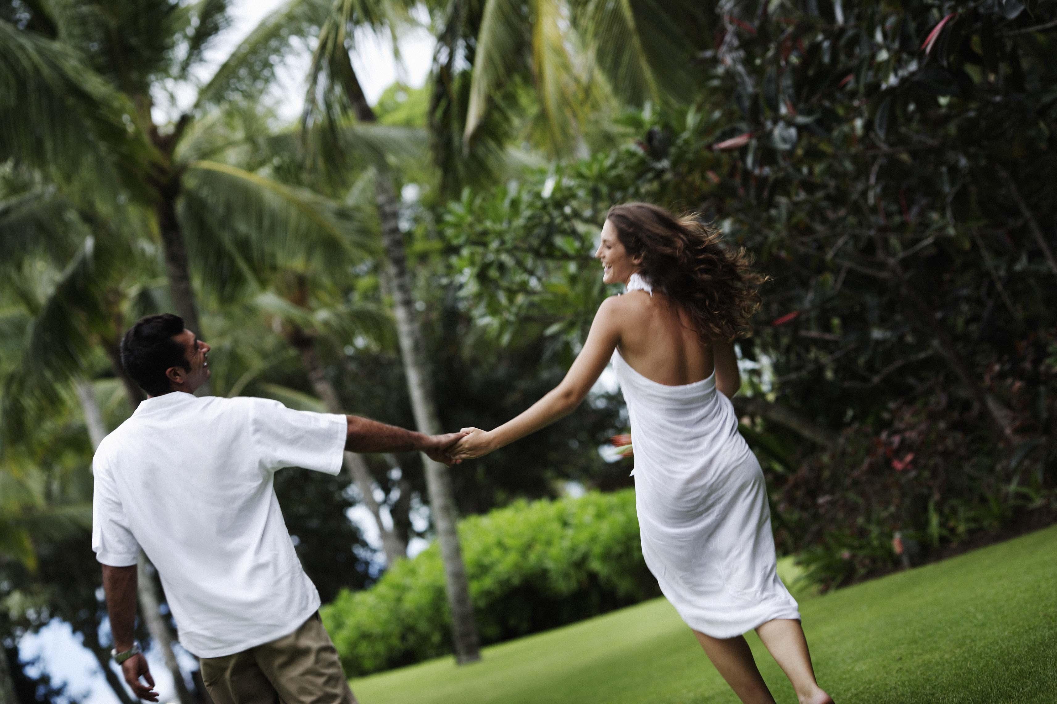 Tropical Island Wedding Tips