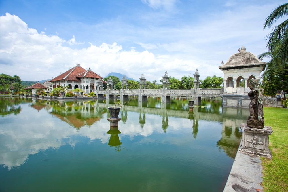BALI'S ROYAL PALACES
