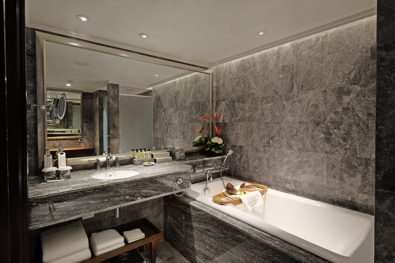 Duplex Suite_Upstair Shower room
